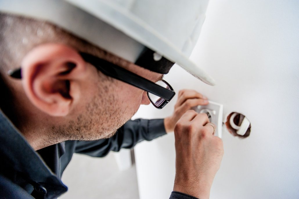 mantenimiento de nstalaciones y equipos eléctricos